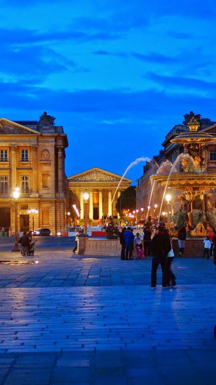 Wiedeń wieczorową porą. Plac de la Concorde