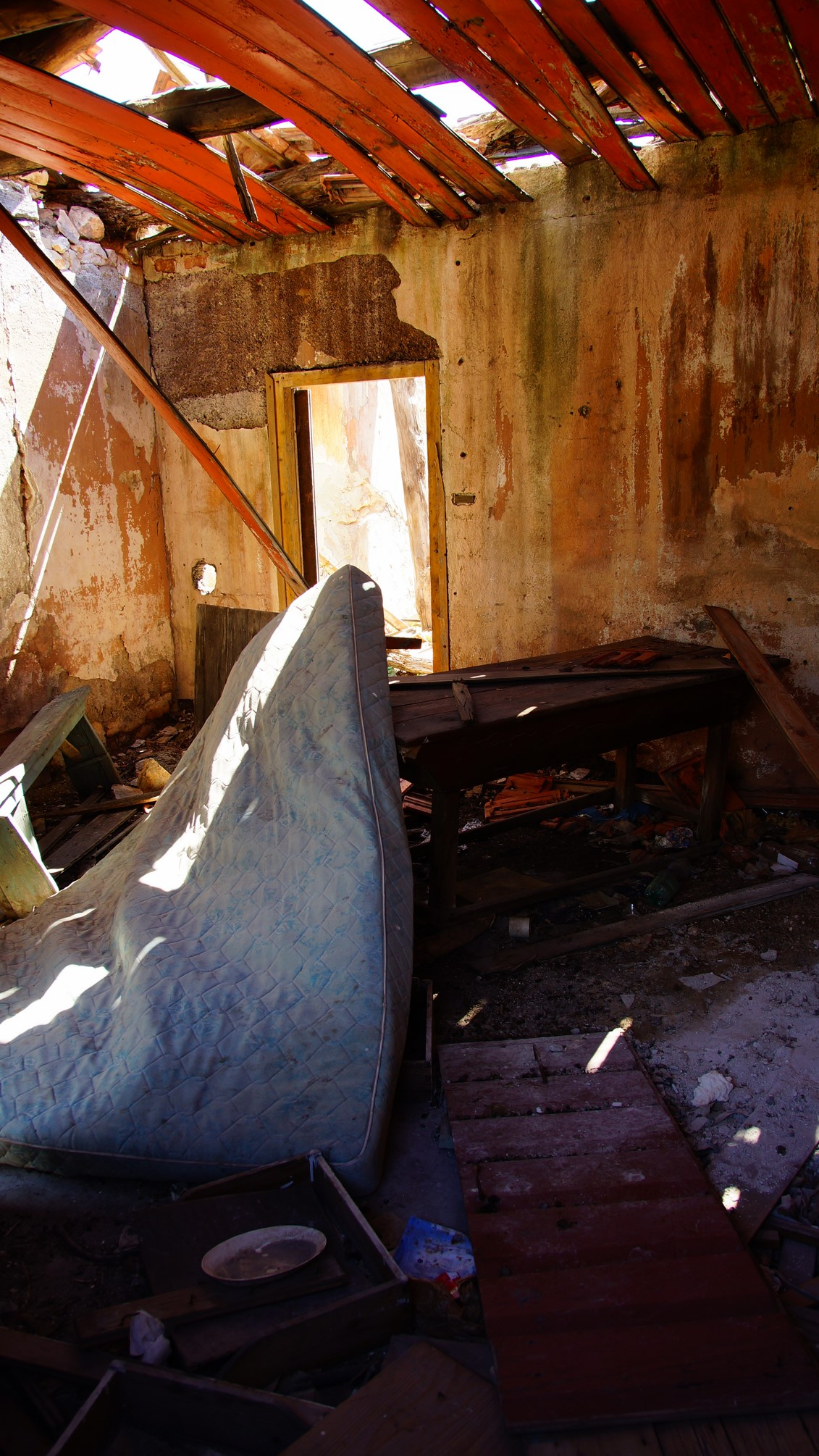 abandoned home, croatia