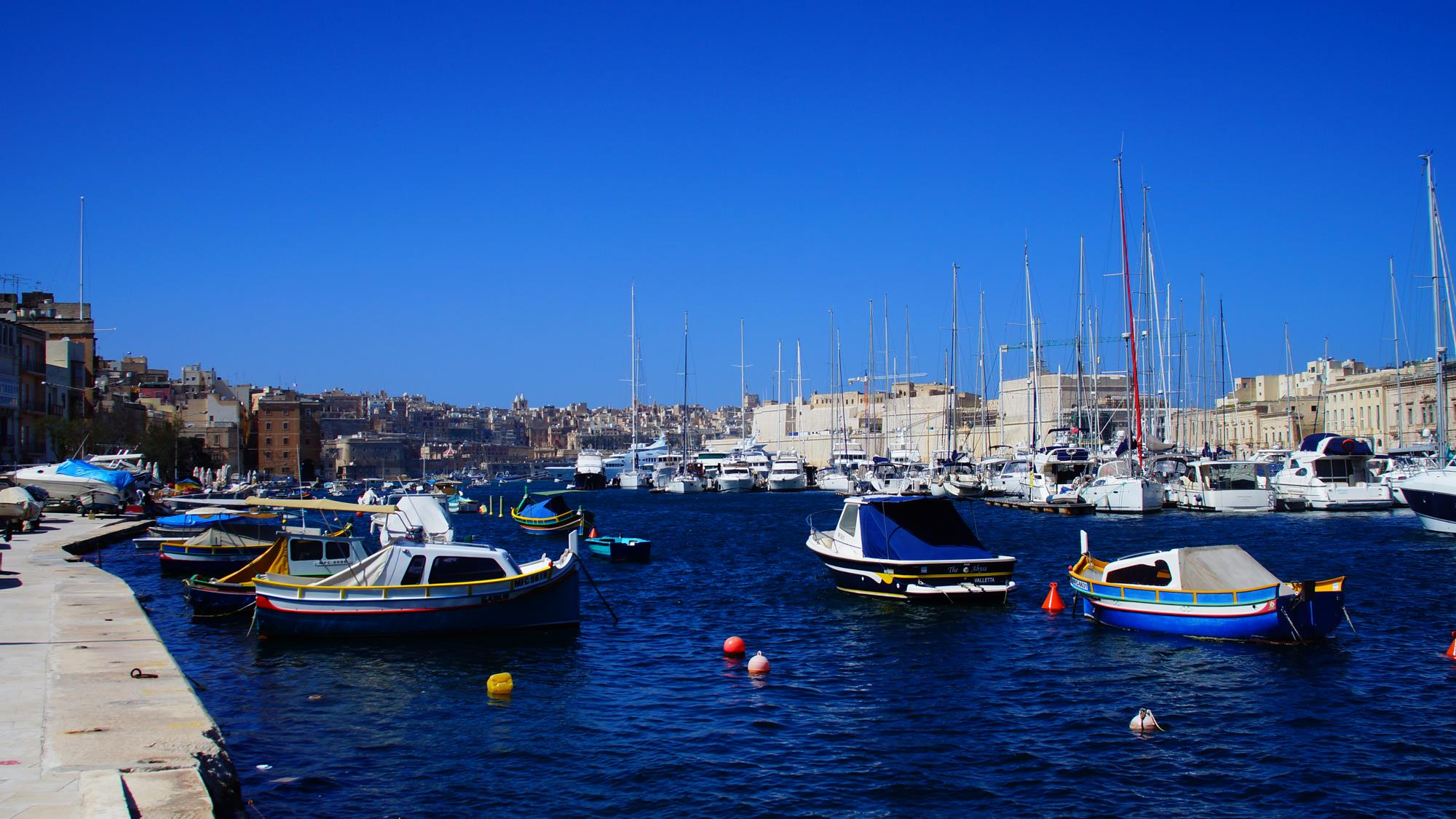 Port w Bromli