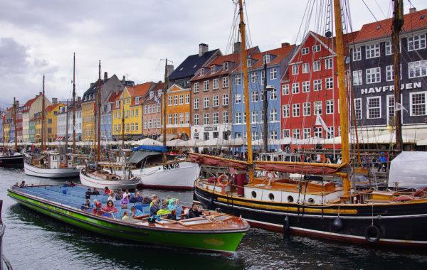 Kopenhaga z eleganckim uśmiechem i syrenką pod ramię