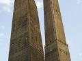 Torre degli Asinelli i Torre della Garisenda w Bolonii