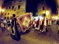 Pochód Corteo dei ceri ulicami Montepulciano