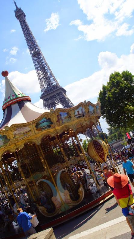 Z widokiem na Wieżę Eiffla