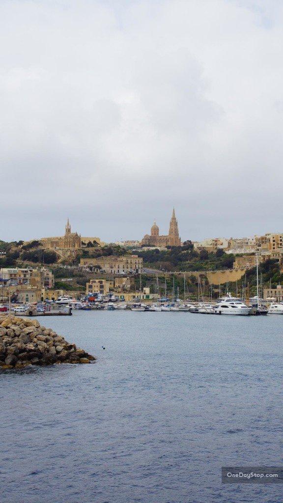 Promem z Malty na Gozo