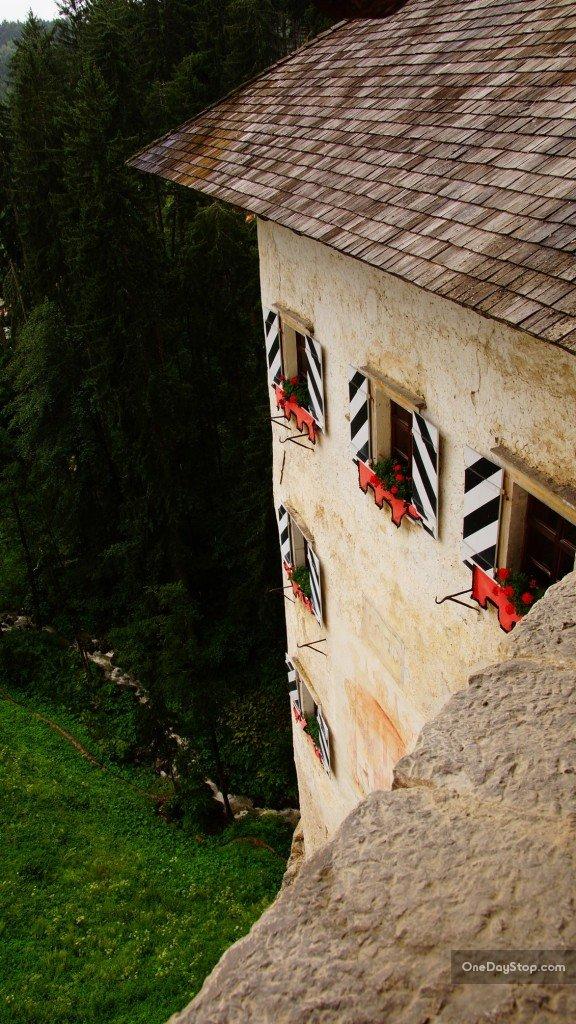 Zamek Predjamski, Słowenia