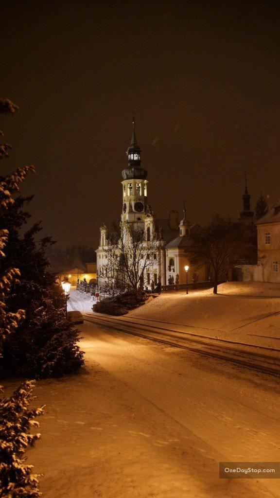Loretta, Praga