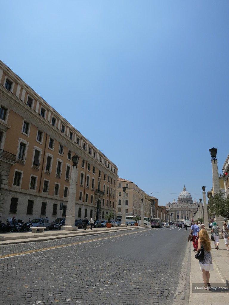 W drodze na Plac Świętego Piotra / Piazza San Pietro
