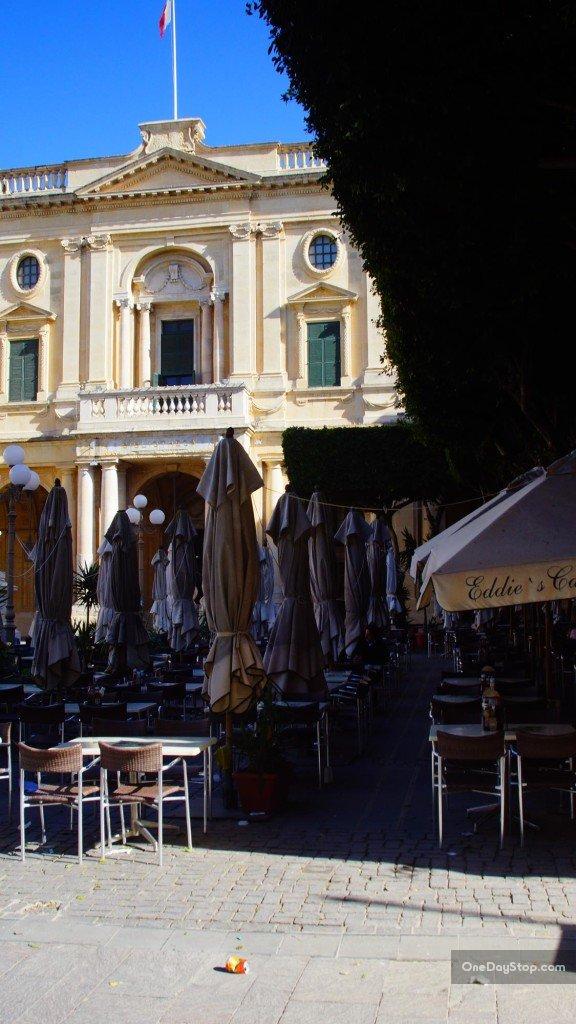 Valetta - closed restaurant