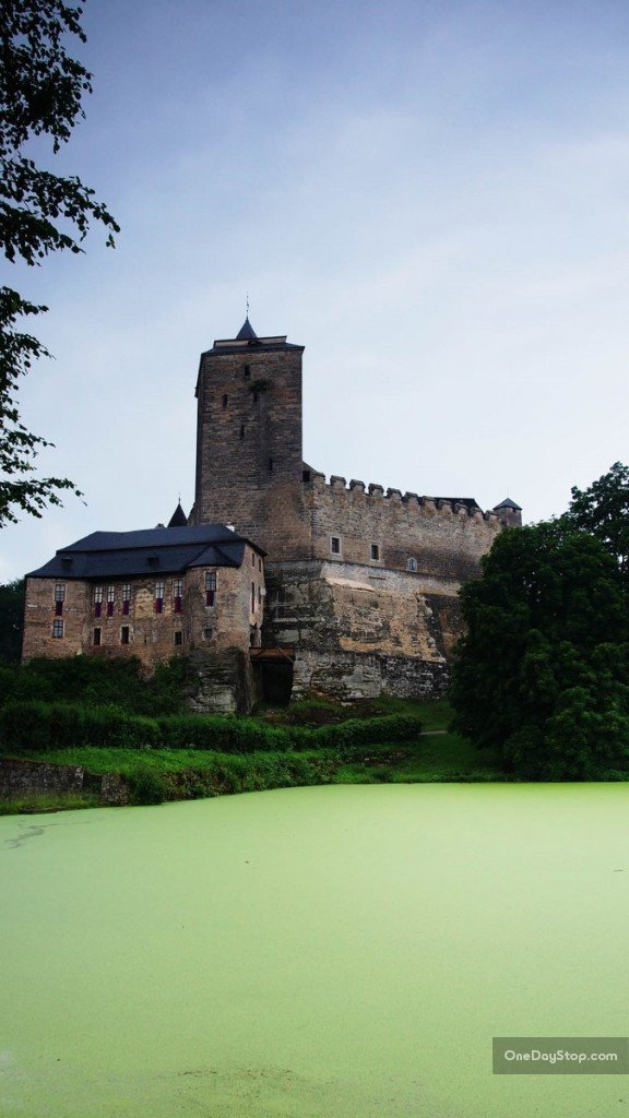 Zamek Kost