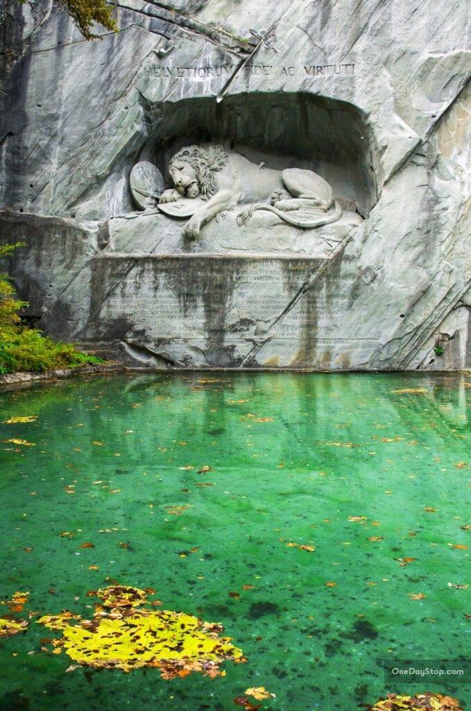 Pomnik gwardzistów szwajcarskich - Lucerna - Lew