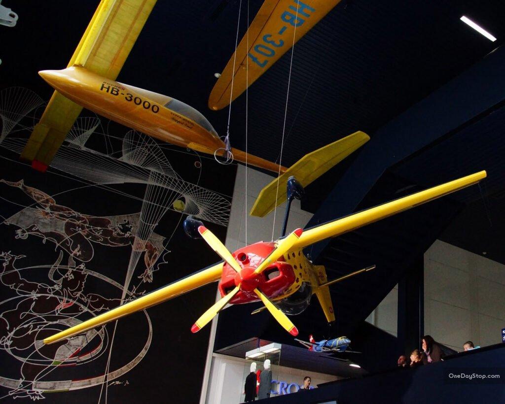 Samoloty w muzeum transportu - lucerna