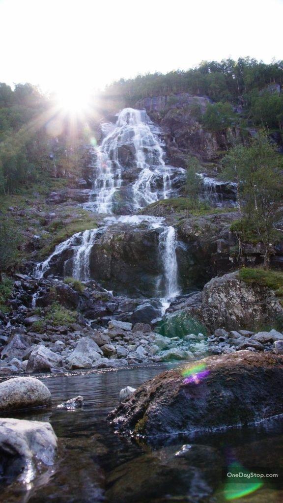 Bratlandsdalen waterfall