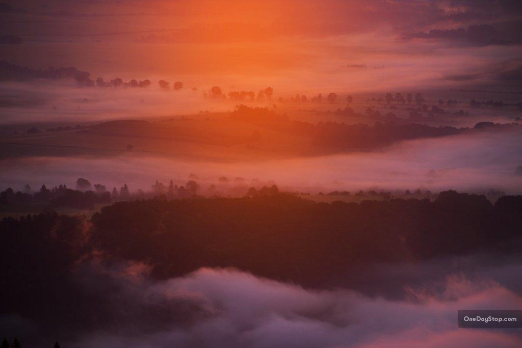 Poranne mgły w Sudetach