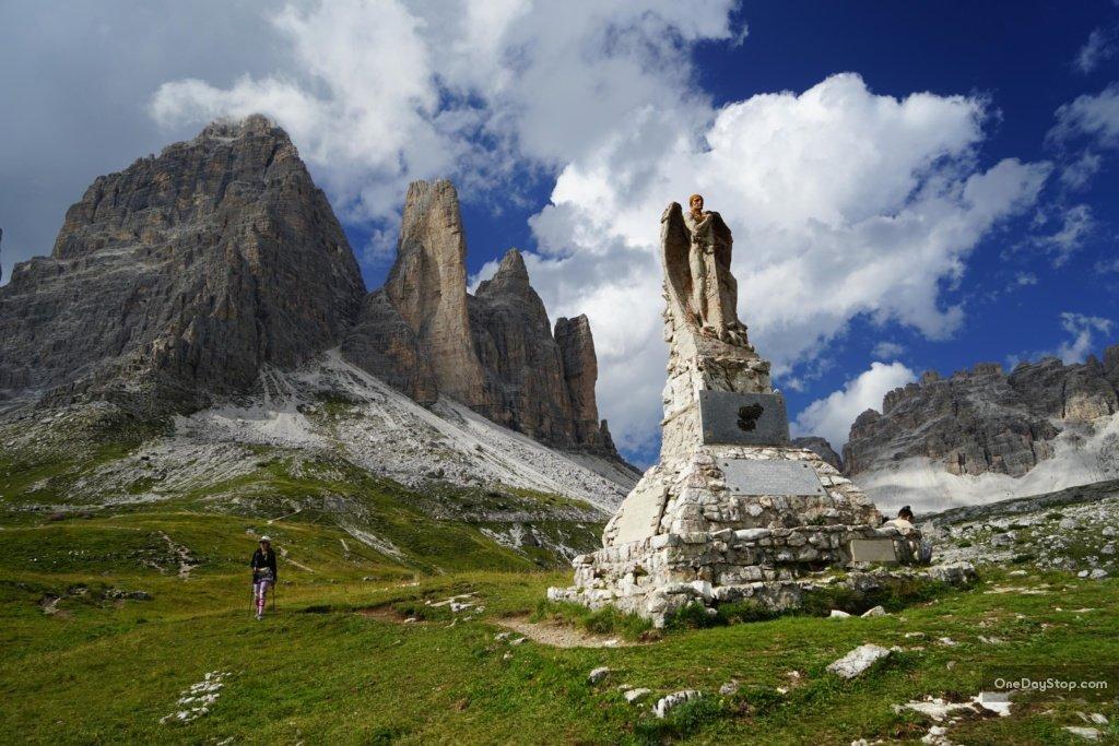 Pomnik i wschodni komin