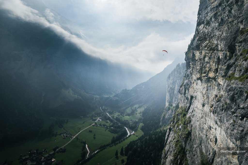 Lauterbrunnen - Switzerland - paragliding