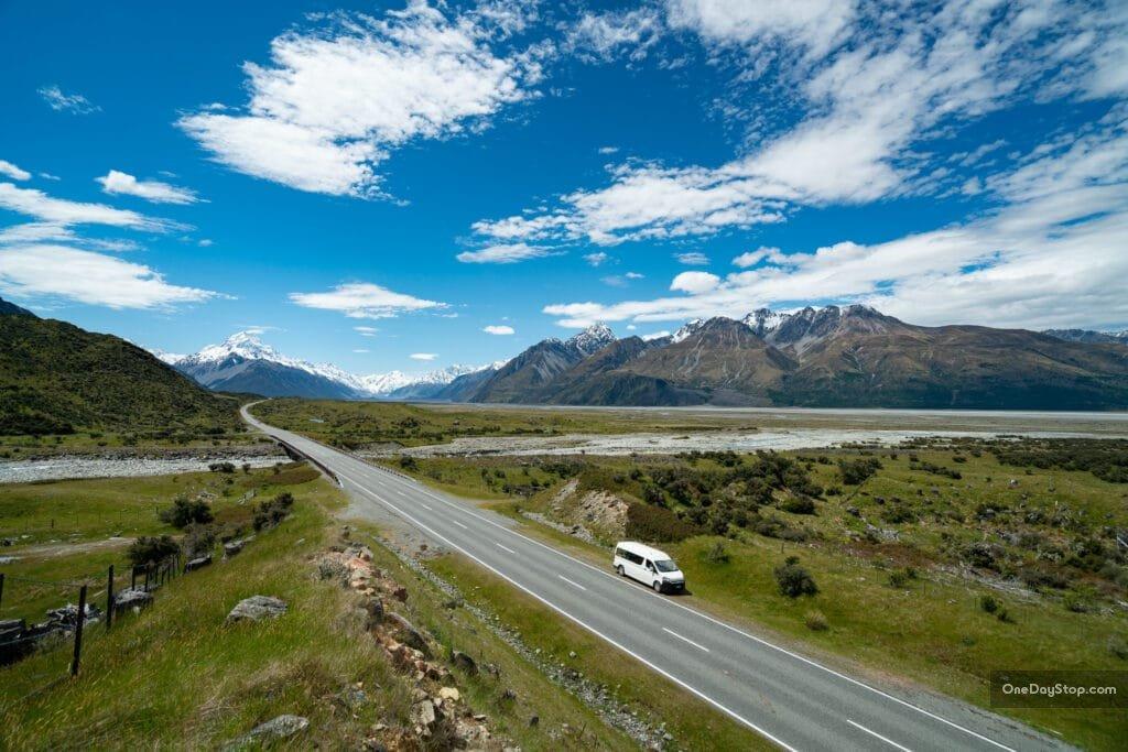 Droga nad Pukaki Lake